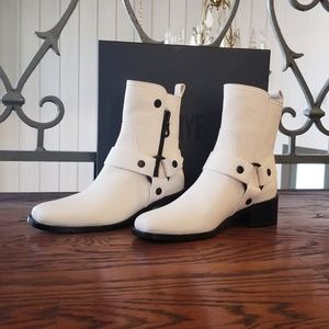 NIB Never Worn FRYE boots